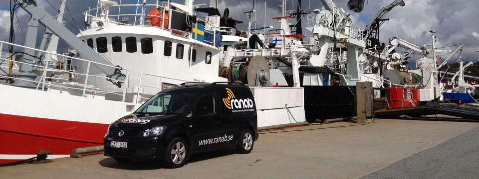 Vi tillhandahåller service och installation av marinelektronik inom kommunikation och navigation.